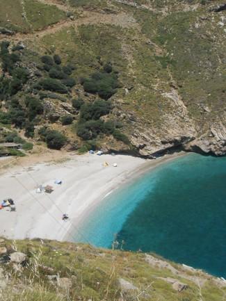Παραλία στη νότια Εύβοια στο Αιγαίο