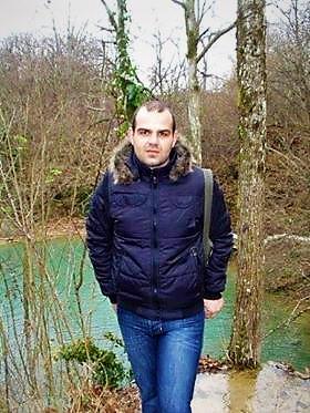 Ο Κώστας Μερετάκης ηθοποιός και συλλέκτης παπαγάλων