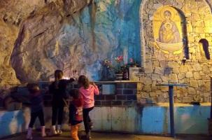 Στο σπήλαιο Αγγίτη η Ζωοδόχος Πηγή