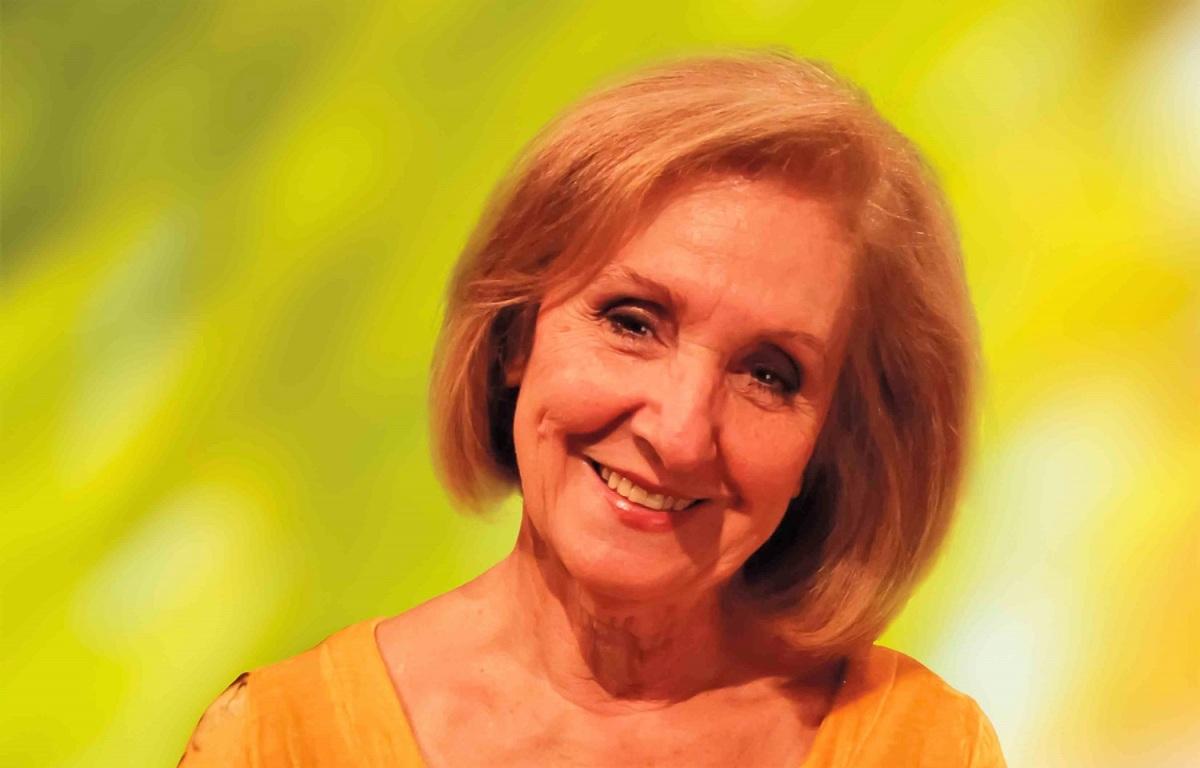 Κάρμεν Ρουγγέρη: «Το θέατρο για παιδιά πρέπει να δίνει ψυχαγωγία και γνώσεις»